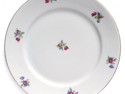 Jak prawidłowo dbać o porcelanę